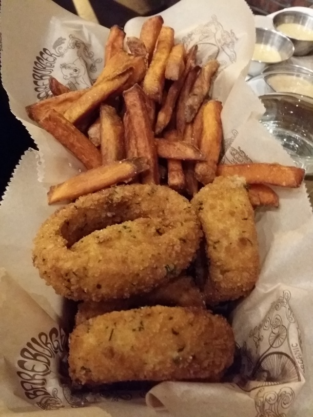 bareburger-philly-fries-rings
