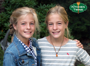 Interview: Kitchen Twins – Food Bloggers & Creators of Make Your Own Kale ChipsKit