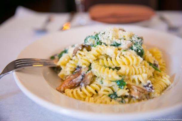 Fusilli Parmigiano parmesan cream sauce, mushrooms and fresh spinach