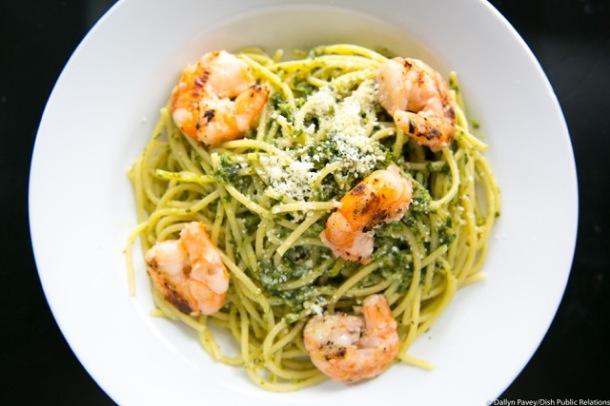 Shrimp Scampi spinach over linguini