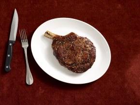 """Sullivan's Steakhouse Raises the""""Steaks"""""""